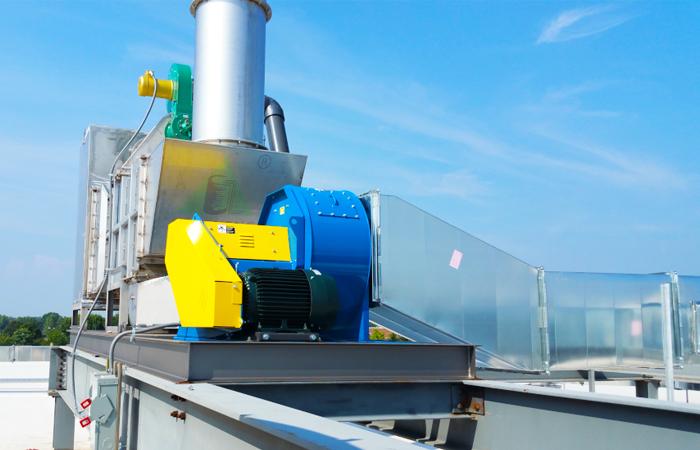 换热催化氧化器安装在客户工厂的屋顶